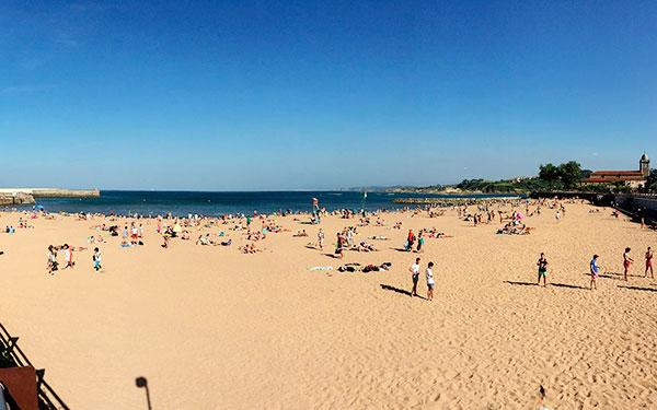Otro año más Bandera Azul para la Playa de Luanco
